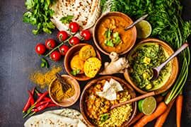 A Gefro indiai curry fűszerkeverék kitűnő megoldás arra, hogy konyhánkba indiai ízvilágot varázsoljunk.
