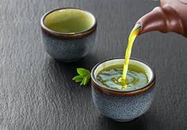 A sencha zöld teából egy különösen finom ízvilágú teát készíthetünk