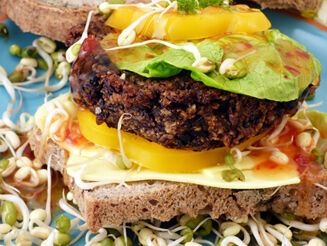 vegán fekete burgerek recept bulkshop plantbased növényi alapú