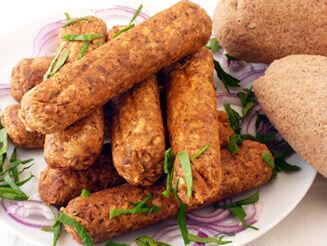 Fűszeres tofukolbászok gluténmentes bagettel vegán recept plantbased növényi alapú